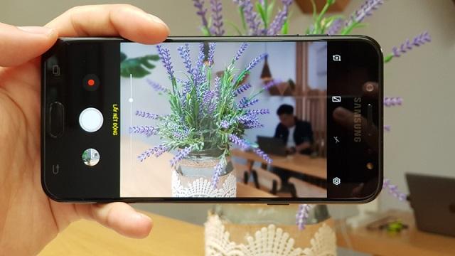 Giao diện camera trên điện thoại Samsung Galaxy J7 Plus