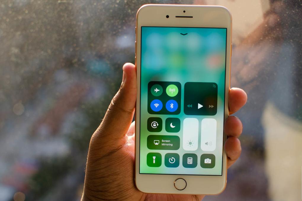 Trình điều khiển trên điện thoại iPhone 8 Plus