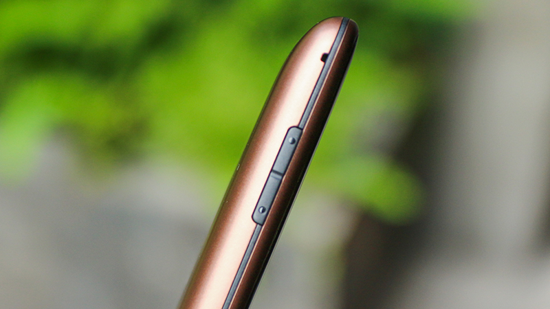 Thiết kế điện thoại Philips E331