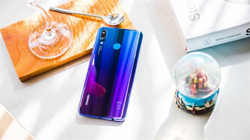 Mặt lưng điện thoại Huawei Nova 3