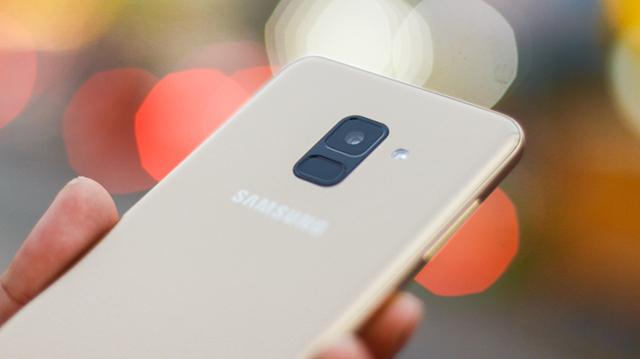 Thiết kế điện thoại Samsung Galaxy A8 (2018)