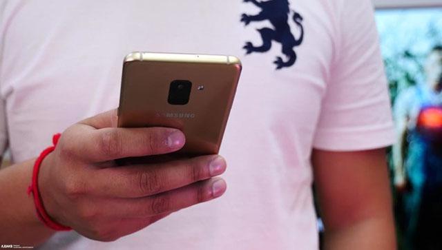 Samsung Galaxy A8 - រចនារឹងមាំ