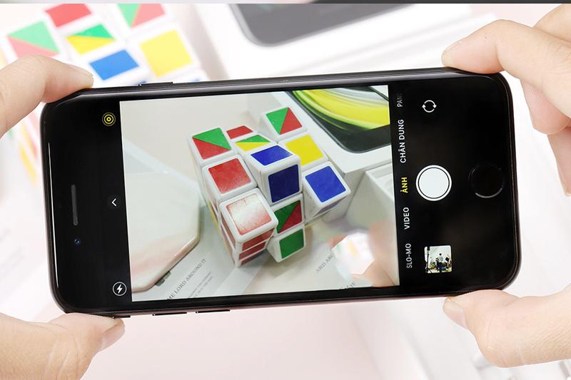 Chụp hình bằng camera thường của diện thoại iPhone SE (2020)