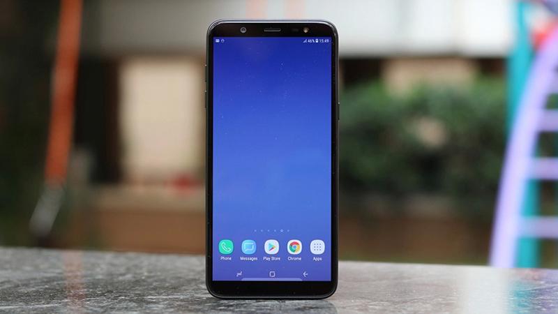 Màu sắc màn hình của điện thoại Samsung Galaxy J8