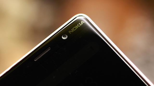 Camera trước trên điện thoại Nokia 7 Plus