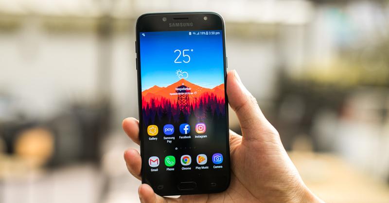 Màn hình của điện thoại Samsung Galaxy J4