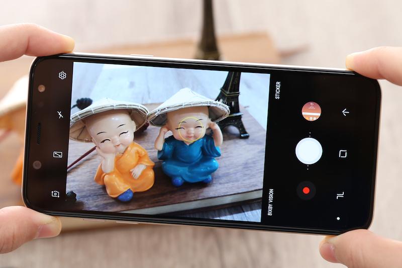 Giao diện camera điện thoại Galaxy A6 2018