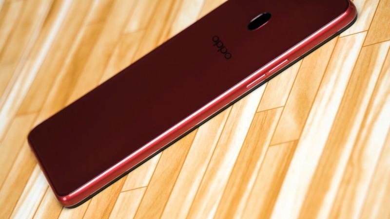 OPPO F7 128GB - ភ្លឺរលើបរលោង | BigPhone.com