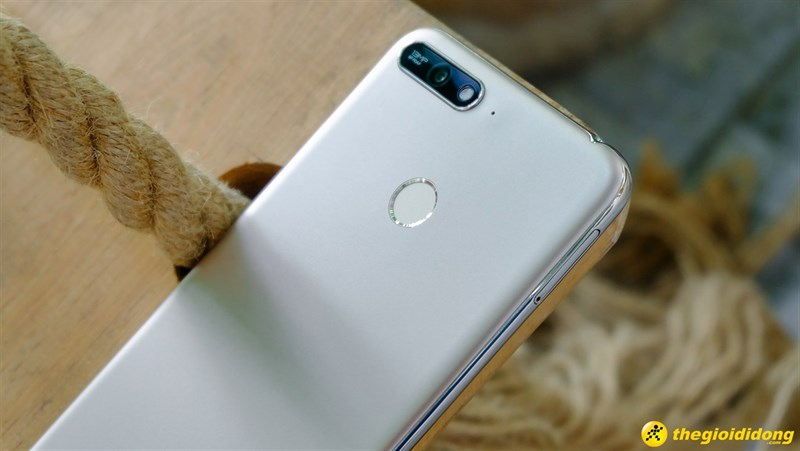 Camera sau điện thoại Huawei Y6 Prime 2018