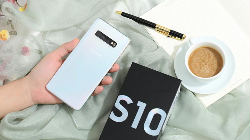 Thiết kế điện thoại Samsung Galaxy S10 chính hãng