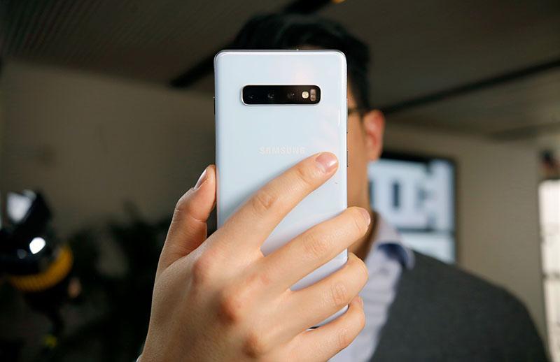 Thời lượng pin của điện thoại Samsung Galaxy S10 chính hãng