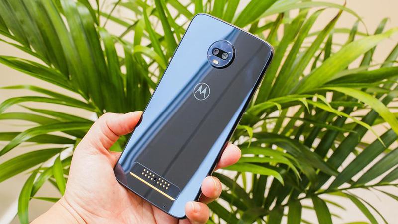 Motorola Moto Z3 Play bóng bẩy và cuốn hút