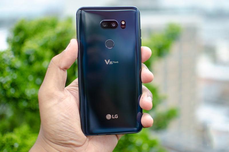 LG V35 ThinQ thu hút mọi ánh nhìn