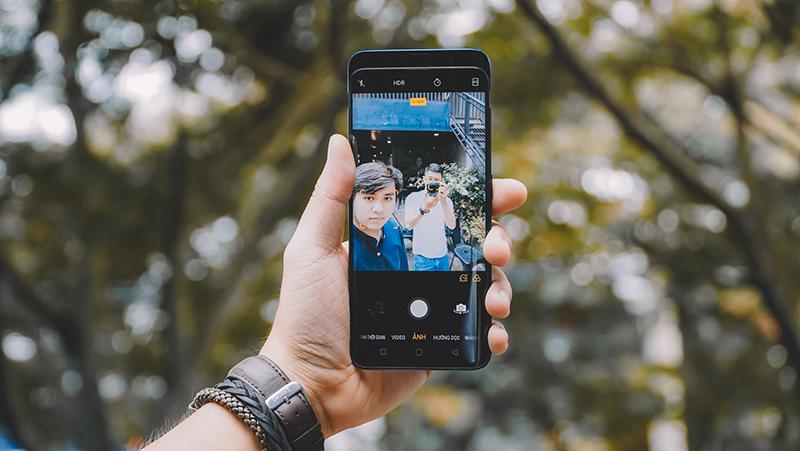 Camera selfie trên điện thoại OPPO Find X