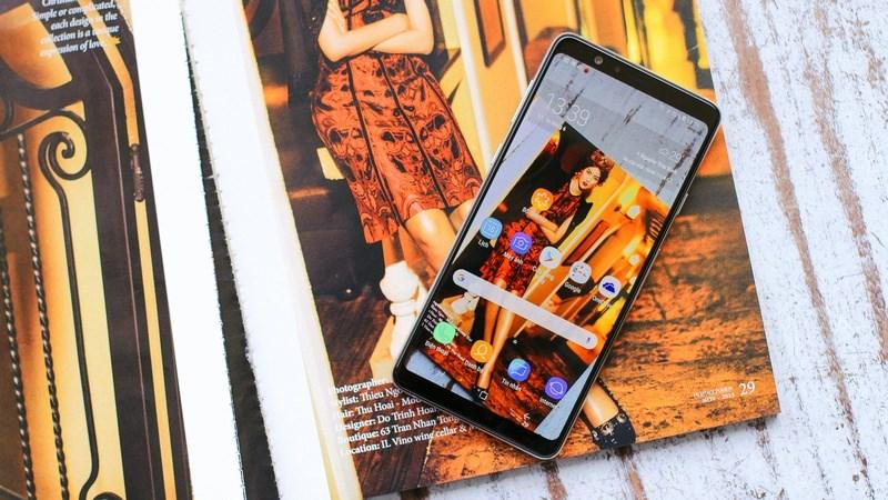Màn hình điện thoại Samsung Galaxy A8 Star