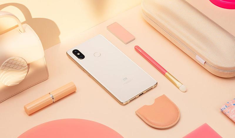 Hơn cả một chiếc smartphone, Mi 8 SE có thể mang bên mình như một món đồ trang sức