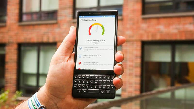 Màn hình trên BlackBerry KEY2 khá sắc nét