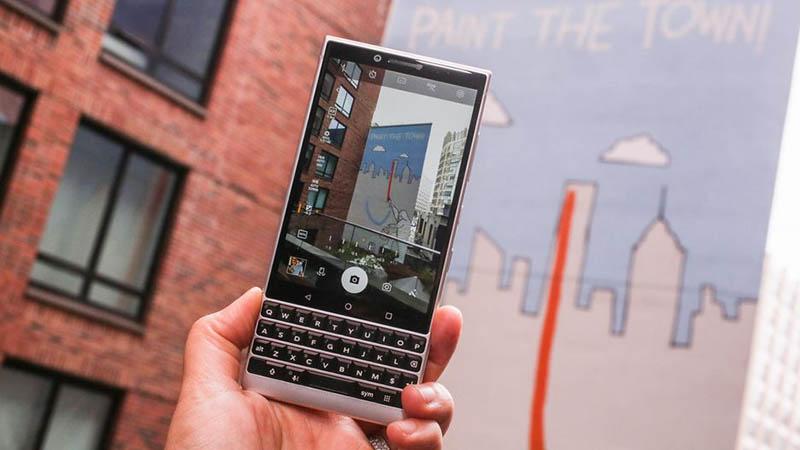 Camera trên BlackBerry KEY2