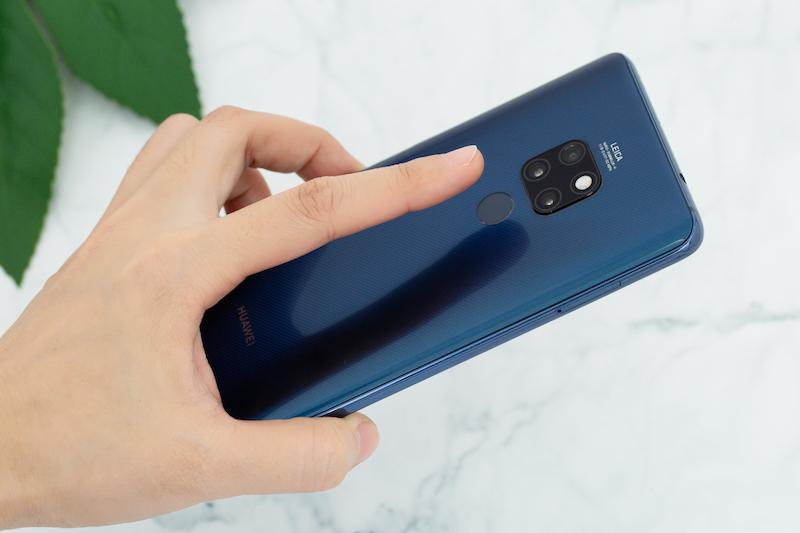 Vân tay mặt lưng điện thoại Huawei Mate 20