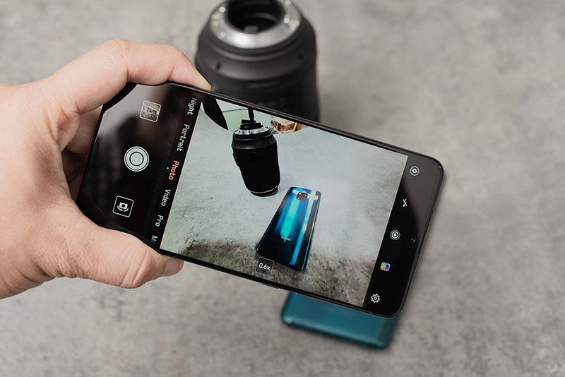 Ảnh chụp từ điện thoại Huawei Mate 20