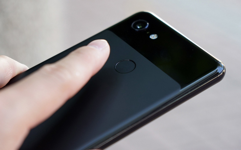 Mặt lưng của Google Pixel 3 XL