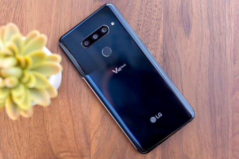 Thiết kế mặt lưng LG V40 ThinQ