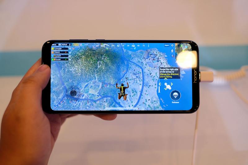 Khả năng chơi game trên điện thoại Honor Play