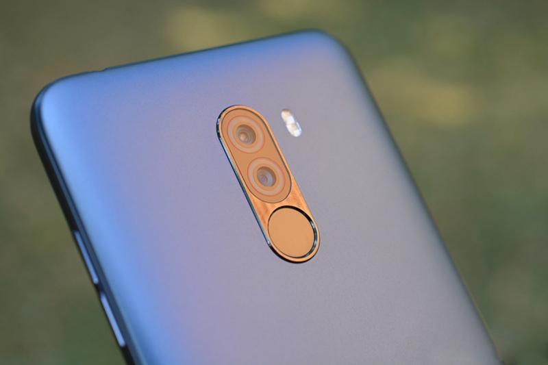Camera sau của điện thoại Xiaomi Pocophone F1