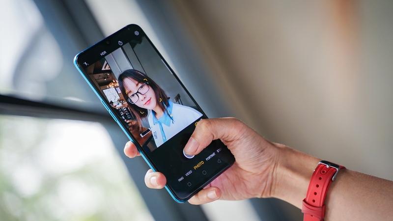 Cụm camera trước trên điện thoại OPPO R17 pro chính hãng