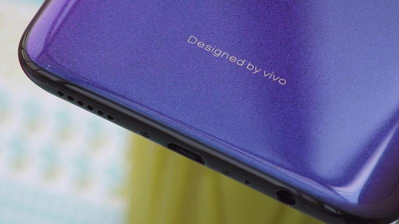 Thiết kế của điện thoại Vivo V11i
