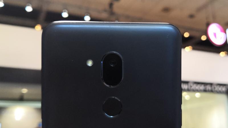 Cụm camera sau trên điện thoại LG G7 One