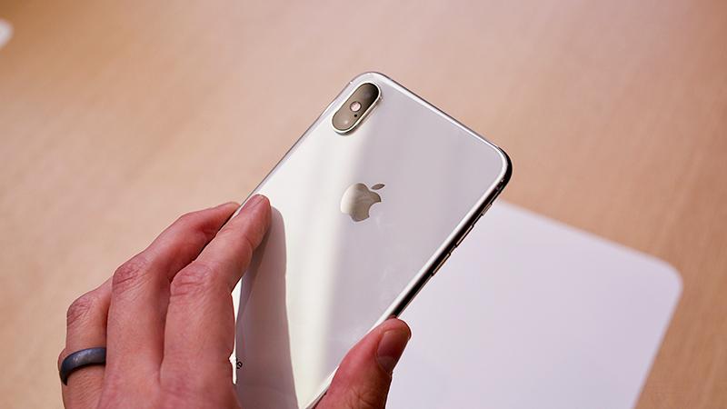 Camera sau điện thoại iPhone XS