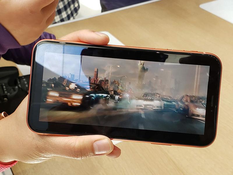 Phone - ទូរស័ព្ទ iPhone Xr 64 GB - កម្លាំងម៉ាសុីនខ្លាំង
