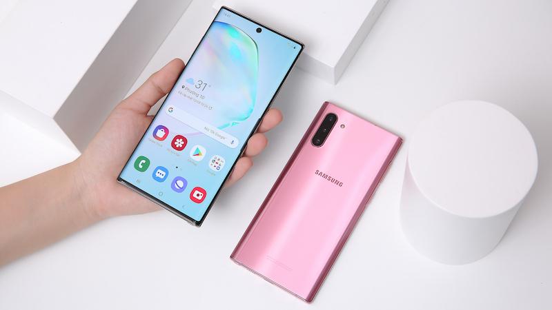 Điện thoại Samsung Galaxy Note 10 | Trải nghiệm cầm nắm