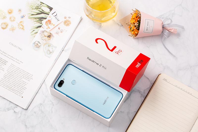 Thiết kế điện thoại Realme 2 Pro