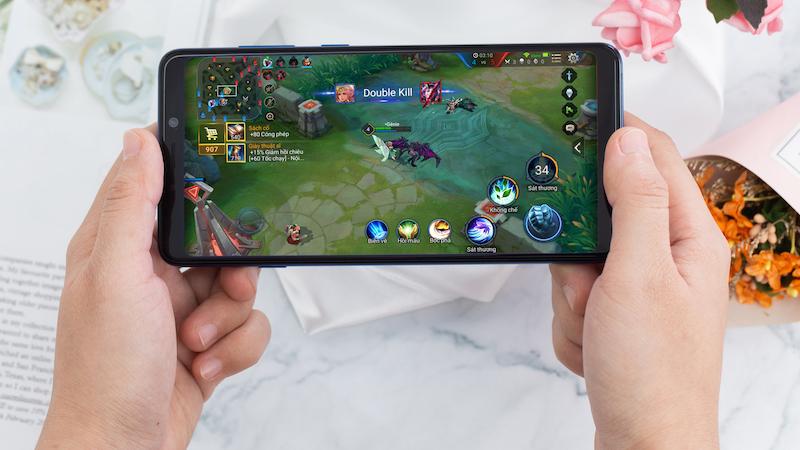 Trải nghiệm điện thoại Samsung Galaxy A9 (2018) chính hãng
