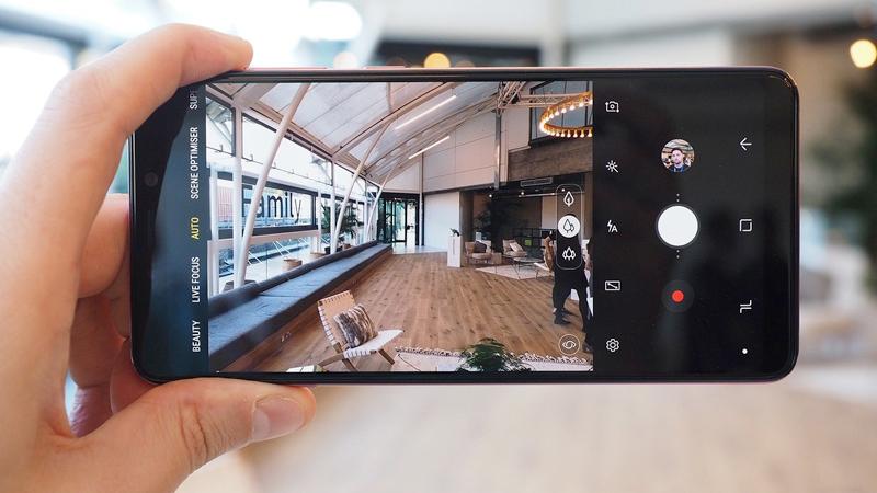 Phone - ទូរស័ព្ទ Samsung Galaxy A9 (2018) - ថតដោយកាមេរ៉ាក្រោយ