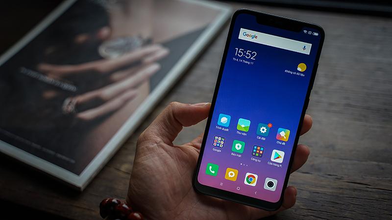 Giao diện điện thoại Xiaomi Mi 8 Pro chính hãng