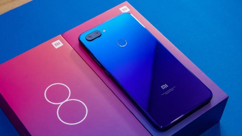 Thiết kế điện thoại Xiaomi Mi 8 Lite