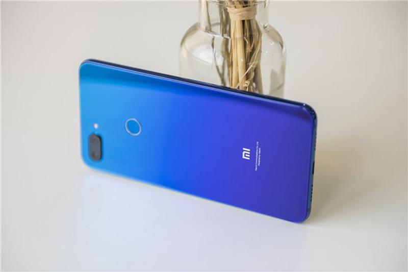 Trải nghiệm điện thoại Xiaomi Mi 8 Lite