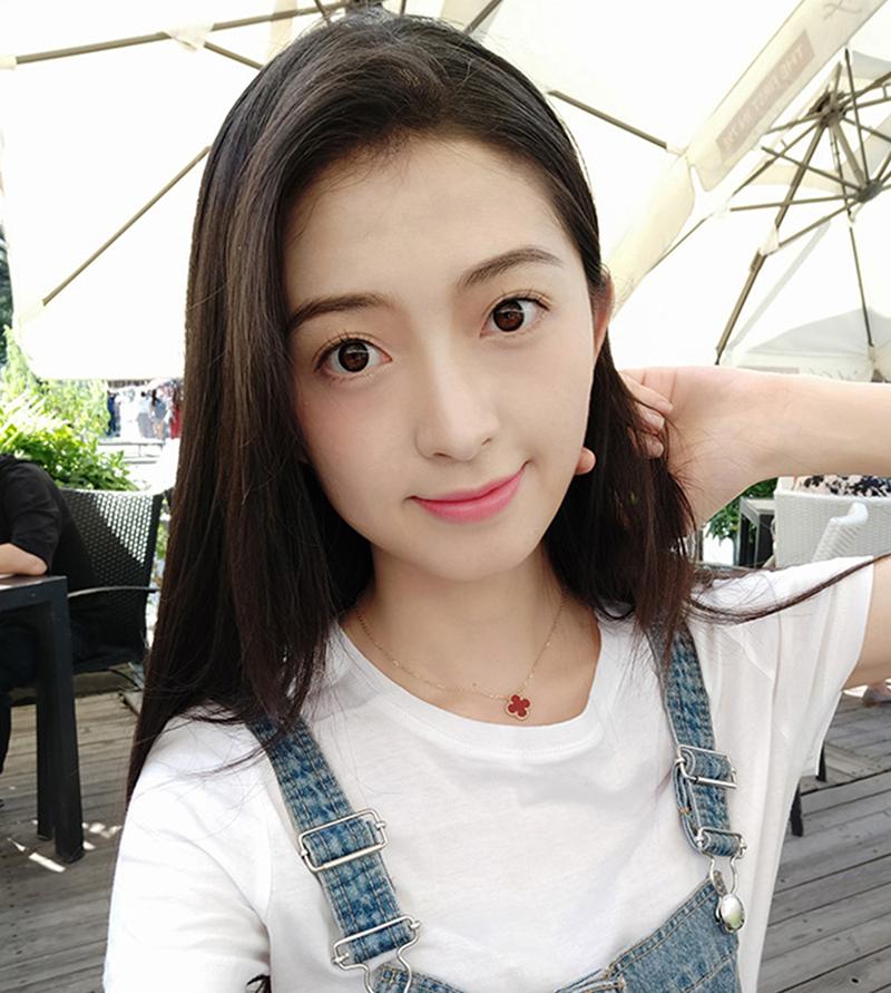 Ảnh selfie từ điện thoại Xiaomi Mi 8 Lite