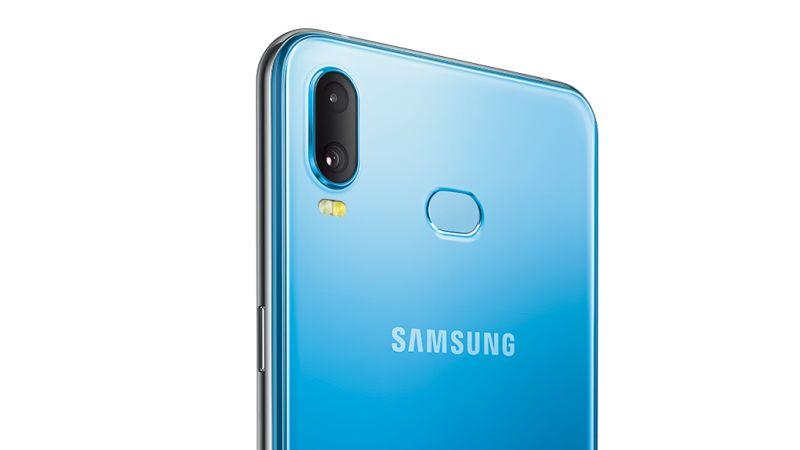 Cụm camera sau trên Samsung Galaxy A6s