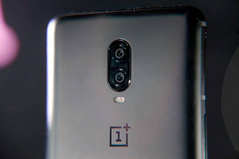 Camera sau của điện thoại OnePlus 6T chính hãng