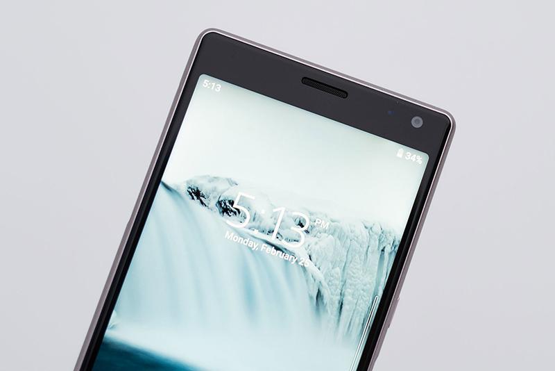 Camera trước selfie của điện thoại Sony Xperia 10 Plus chính hãng