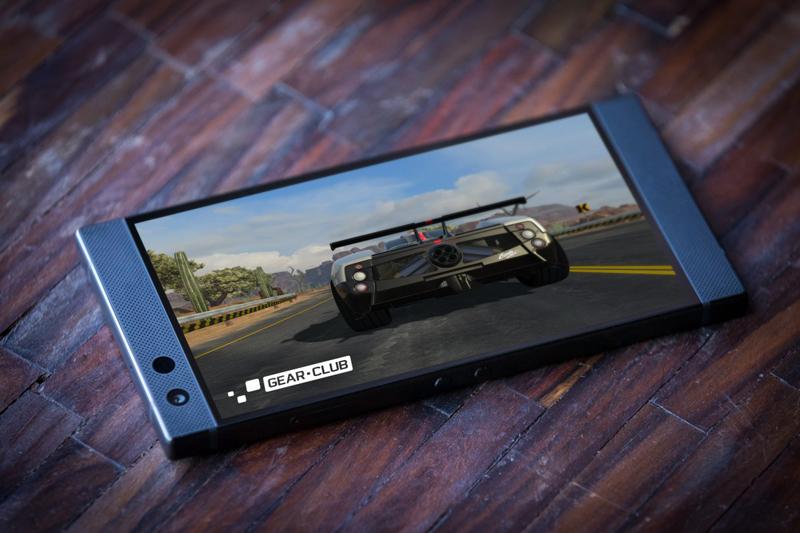 Hiệu năng mạnh mẽ trên Razer Phone 2