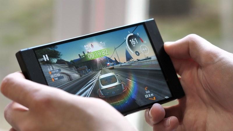 Khả năng chơi game mạnh mẽ trên Razer Phone 2