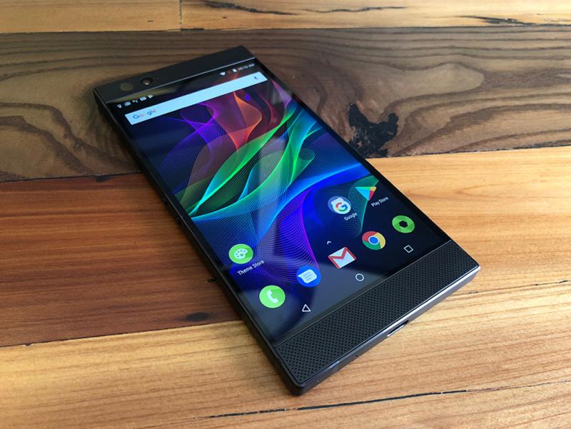 Hiệu năng mượt mà với Android 8.1 trên Razer Phone 2