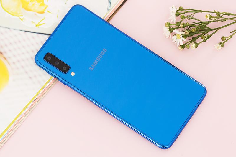 Thiết kế điện thoại Samsung Galaxy A7 2018 128GB