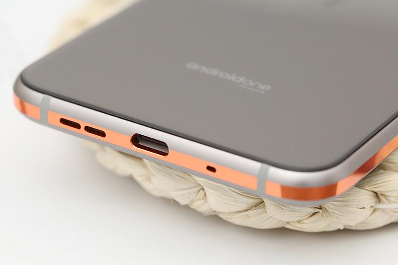 Cổng sạc trên điện thoại Nokia 8.1 (Nokia X7) chính hãng