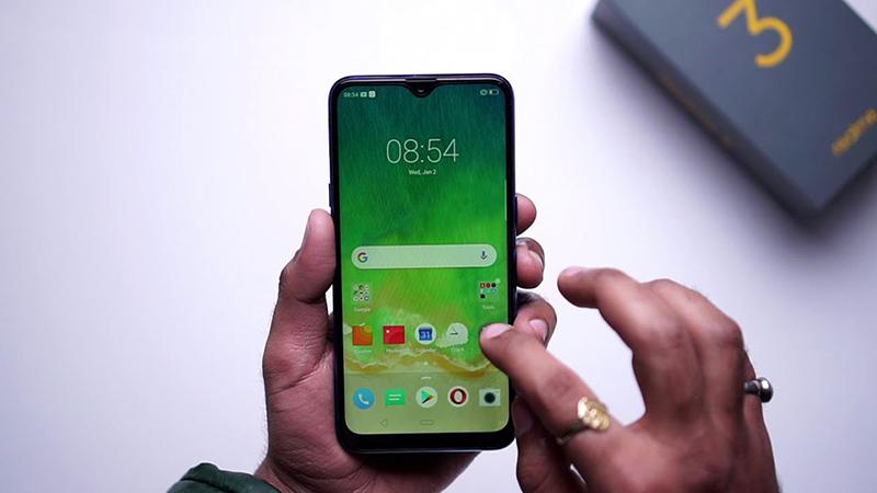 Màn hình của điện thoại Realme 3 chính hãng